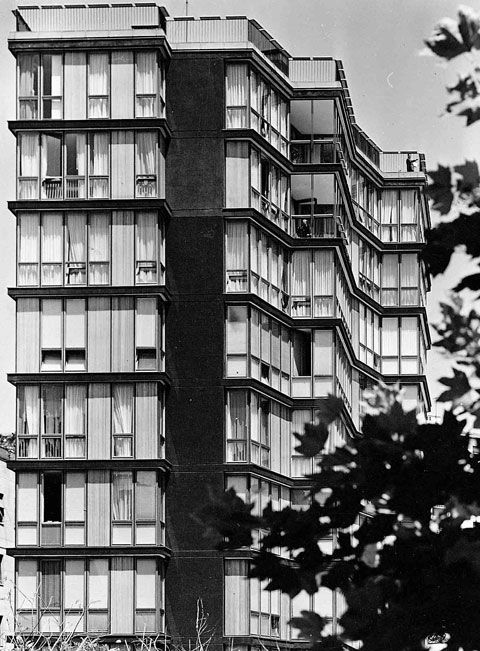 Angelo Mangiarotti_Building Via Quadronno, Milano, 1960 together with Bruno Morassutti