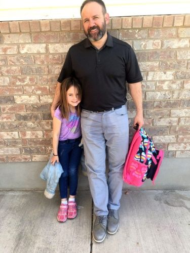 Dad's Touching Reaction to Daughter's Wet Pants Makes Him a Hero