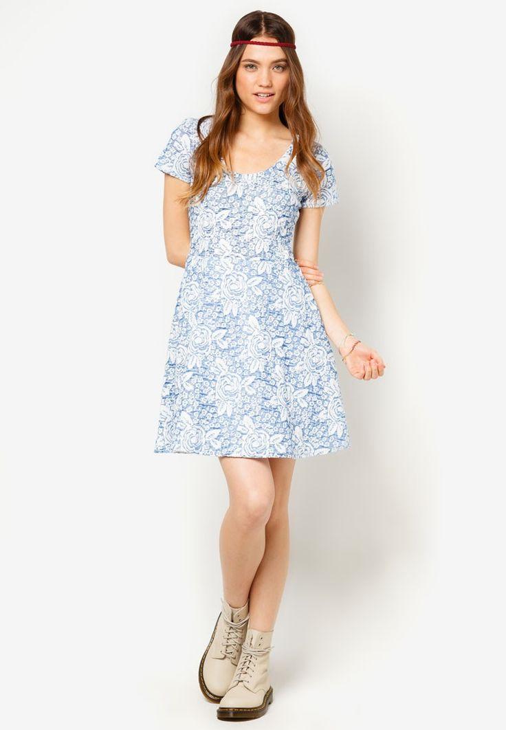 Lola Skye Rose Jacquard Dress I Beli di ZALORA Indonesia ®