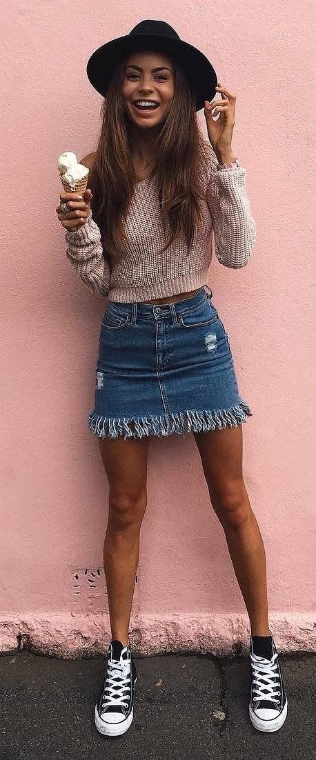 how to style a dneim skirt hat nude top converse