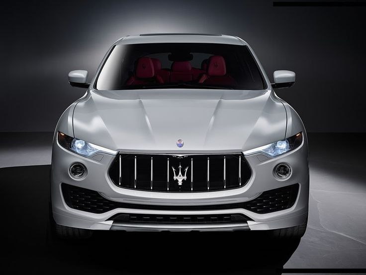 Voici les photos officielles du premiers SUV Italien : Maserati Levante 2017. Il sera dévoilé officiellement lors du salon de l'automobile de Genève.