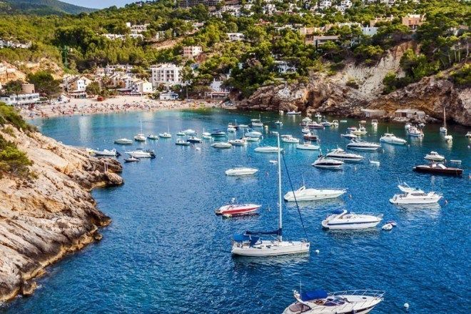 Some of the Greek Islands are so gorgeous and seductive that they make it to the top of holiday-makers list of must-visit and best Greek Islands, here are the Top 10.