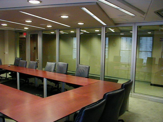 Acoustically rated movable glass partitions from hufcor for Movable glass wall systems