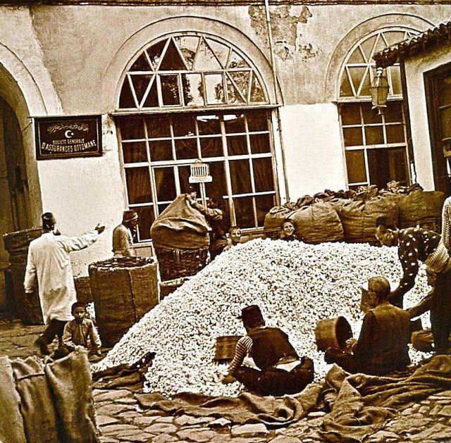 Eski Bursa Resimleri | Tarihi Keşfet ! Bursa, Koza Han, Silk market and fabrication in Bursa