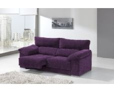 Shiito les presenta este bonito sofá de dos plazas tapizado en morado, uno de los colores de moda este año. Dispone de asientos deslizantes y cabezales reclinables, lo cual le garantiza una mayor comodidad en su descanso. Está tapizado en tela de fibra antimanchas, lo que le facilitará su limpieza.