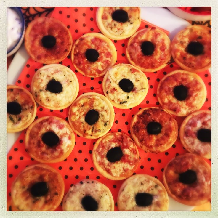 iceland mini pizzas, iceland party food, easy halloween party food, quick party food ideas
