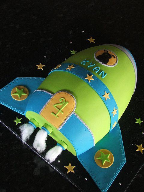 Rocket  cake by Sweet Treacle, via Flickr
