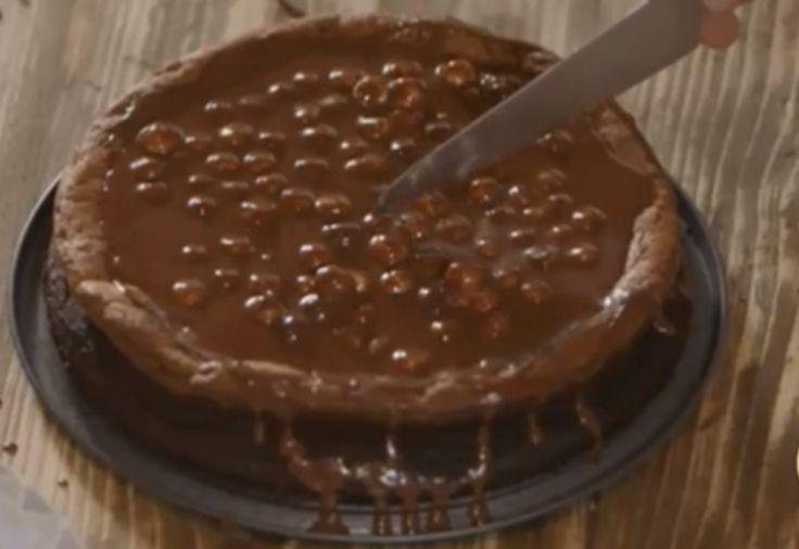 Κέικ πραλίνας φουντουκιού Από τον Γιώργο Τσούλη.