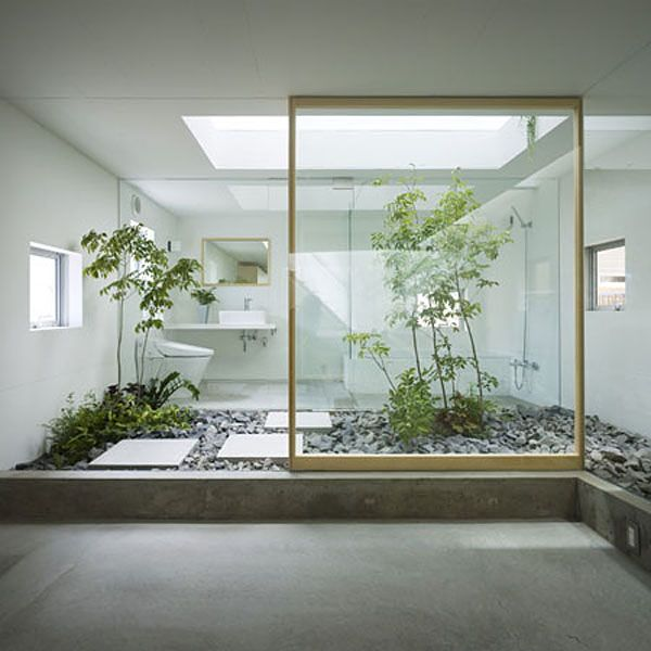 Japanese home features indoor garden room «