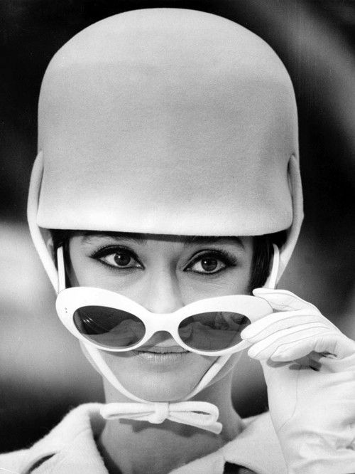 1966, Audrey: Mod Style, Vintage Portraits, Driving Gears, Funny Movie, Fashion Clothing, Black And White, Audrey Hepburn, Style Icons, Audreyhepburn