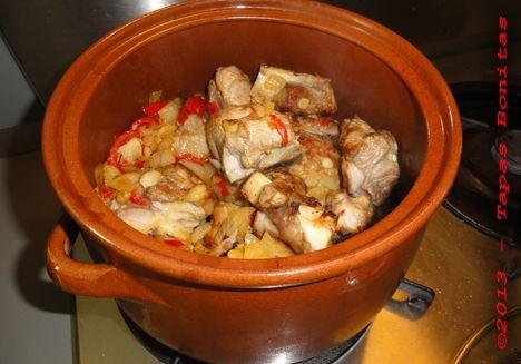 Foto van Spaans stoofvlees bereiding.