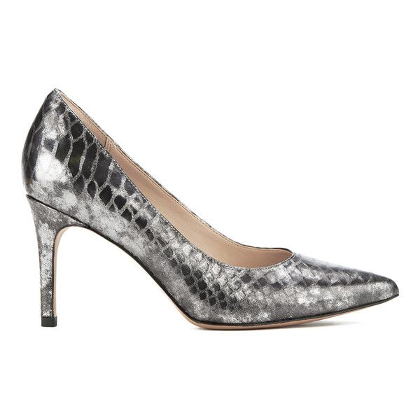 Clarks Women's Dinah Keer Leather Metallic Court Shoes (165 BRL) ❤ liked on Polyvore featuring shoes, pumps, silver, leather pointed toe pumps, stiletto pumps, metallic pointed toe pumps, clarks shoes and pointy-toe pumps