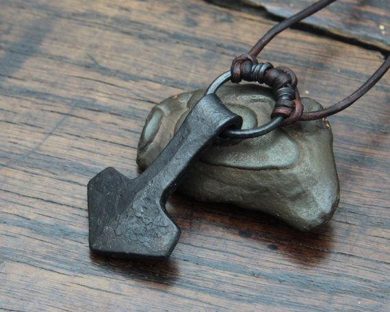 Viking Thors Hammer a forged large ringed Iron Mjolnir par Taitaya