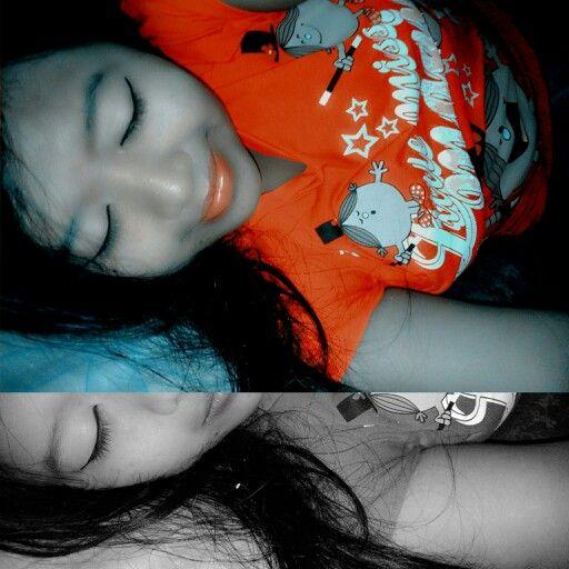 Take a selfie before sleep..  its called #sleepingbeauty :D #sweet and #cute #me