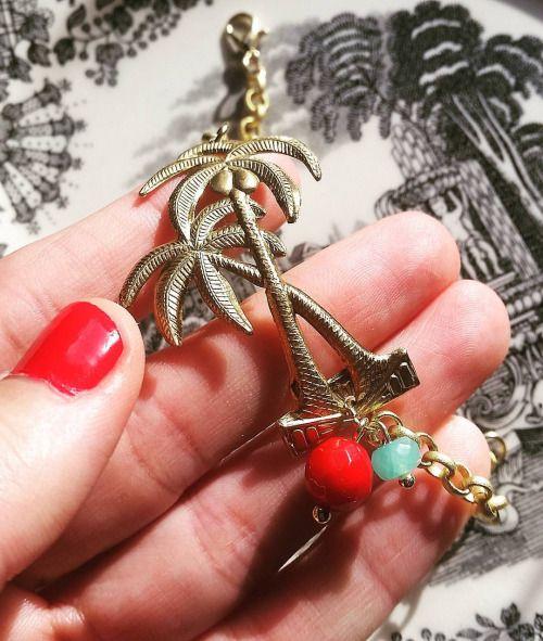 A mi ésta pulsera de palmeras me tiene locatis perdida.  .  #esperandoelverano #proximamente #avancedetemporada #newcollection #comingsoon #pizpiretacomplementos #jewelry #bracelet #golden #BrassStamping #brass #gold #palmtree #vsco #vscocam #picture #picoftheday #igers #zamora #madrid