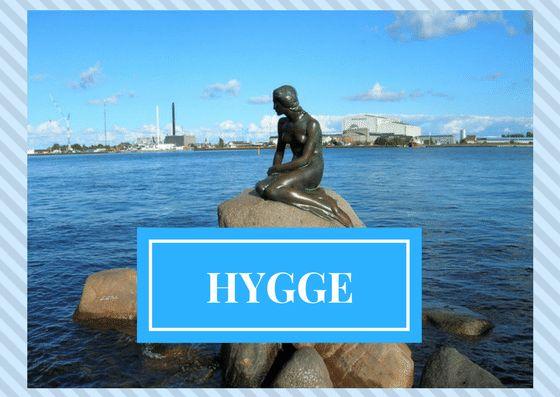 ¿Te suena el Hygge? Es una palabra danesa que significa bienestar...¿Quieres averiguar como vivir mejor, con más felicidad y bienestar?