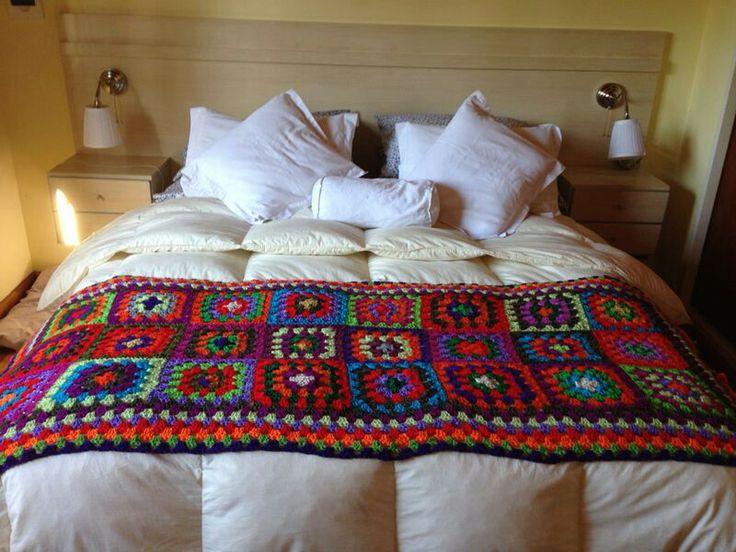 Pie de cama crochet bordados para camas pinterest - Mantas pie de cama ...