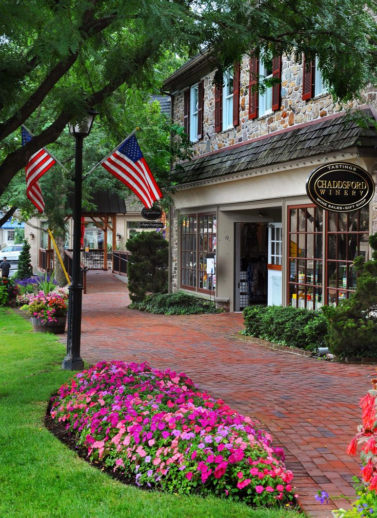 Peddler's Village...strolling through the cobblestone paths brings something for everyone from 70 specialty shops, six restaurants. Celebrating favorite traditions at the 11 annual festivals and events. A very enjoyable atmosphere.