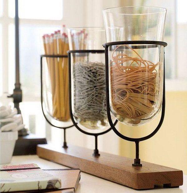 Alledaagse Office Supplies Organisatie.  Creatief georganiseerd kantoor aan huis verbetert je humeur en je productiever.  http://hative.com/creative-home-office-organizing-ideas/