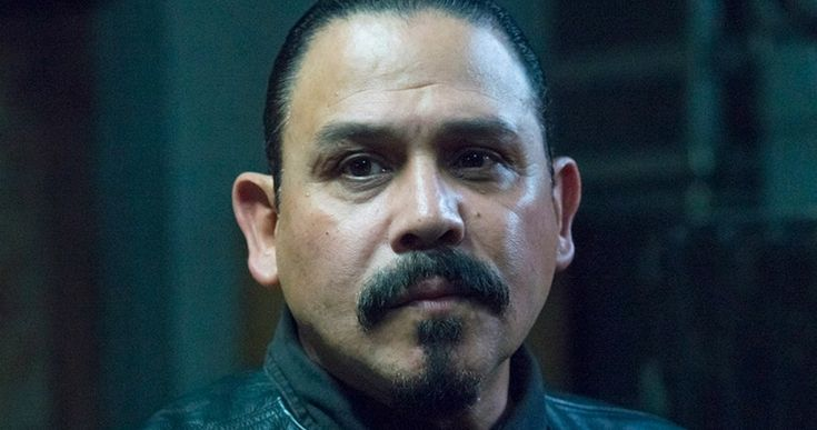 'Sons of Anarchy' Mayans Spinoff Coming from Kurt Sutter -- Kurt Sutter is currently developing a 'Sons of Anarchy' spinoff that follows the Mayans Motorcycle Club for FX. -- http://movieweb.com/sons-of-anarchy-spinoff-mayans-kurt-sutter/