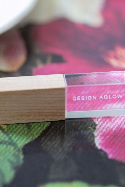 Glass USBs for Photographers with discerning taste. 25% OFF from Design Aglow. Wow your clients!
