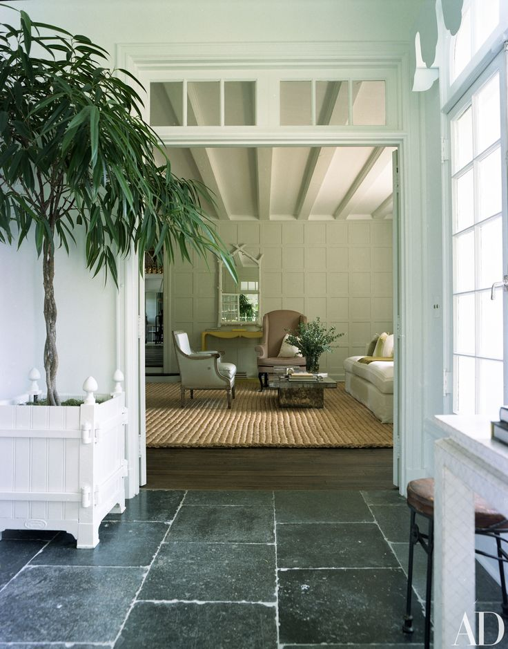 Fall in Love with the East Hampton Home of Designers Delphine and Reed Krakoff | Architectural Digest