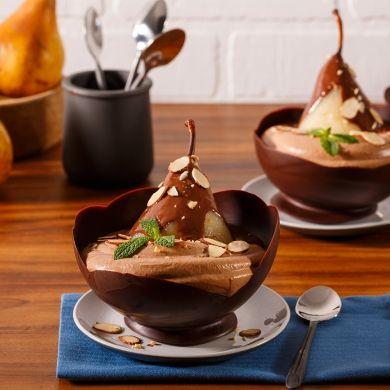 Poire Belle-Hélène en coupe chocolatée - Recettes - Cuisine et nutrition - Pratico Pratique