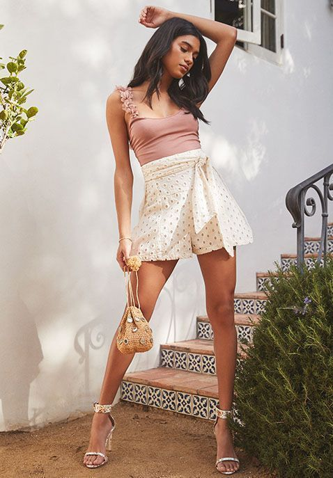 casual spring or summer outfit #fashion #spring #springfashion #springoutfit #skirt #top #fashion #summer #purse #accessories #tans #affiliate #casualskirtsummer #casualsummeroutfits