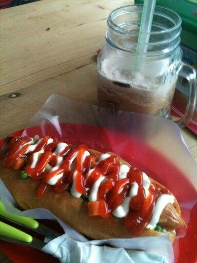 Jumbo Hotdog + Capcin Mikado Srengseng Sawah