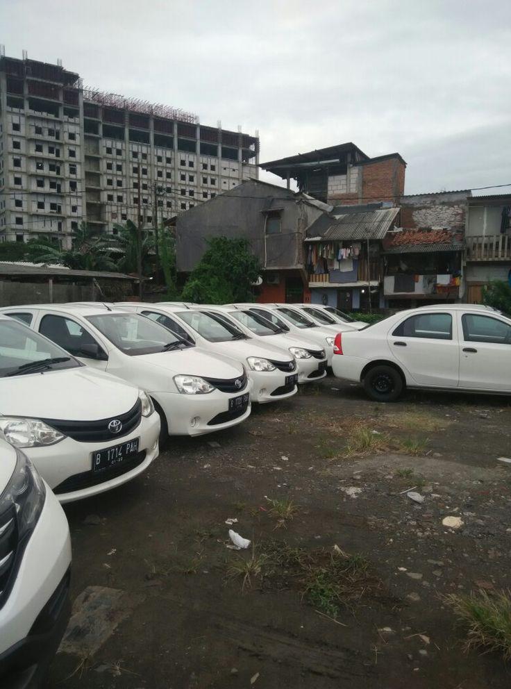 Pusat pemasangan kaca film mobil harga murah di Jakarta dan sekitarnya.