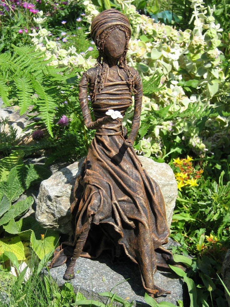 Learn How To Make A Beautiful Garden Sculpture From An Old T Shirt. Using