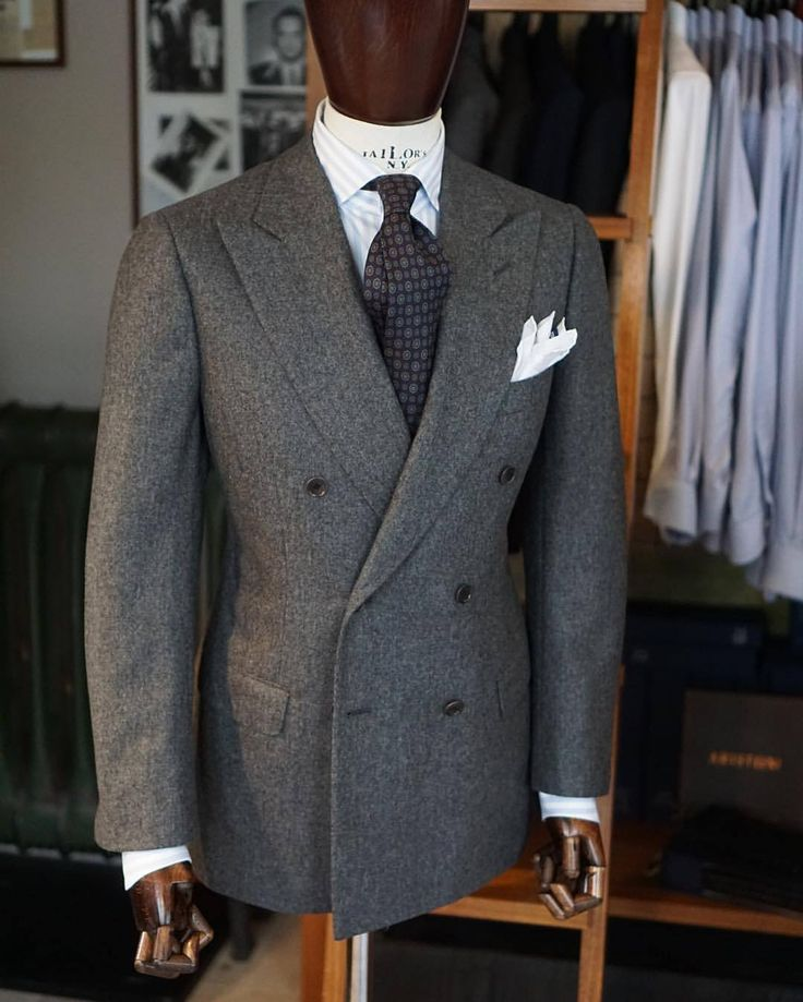 "zarembabespoke: ""#winter #doublebreasted #flanell #jacket #zaremba #zarembabespoke #bespoke #tailoring #handmade #fattoamano #menswear (w: Zaremba Bespoke Tailoring (Pracownia Krawiecka ""Zaremba"" """