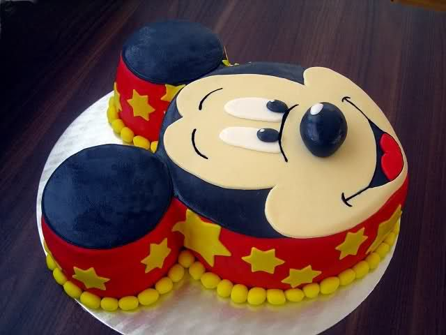 Torta Miki Maus  ukrašena fondanom