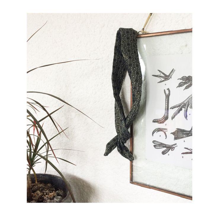 ▲ DONA ▲ Bandeau noeud, rétro, motif jacquard noir, gris clair & doré , head band, bandeau noué, fil : Accessoires coiffure par elora