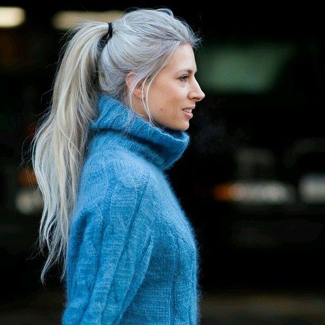 Amo o estilo da Sarah Harris, da Vogue UK - esse cabelo grisalho dela é incrível! | DDB Inspira @ddbinspira