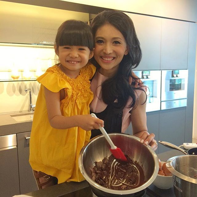 Karen Ong-Tan brought her little masterchef Kara to the @gaggenauofficial baking class. Here they are making flourless chocolate cake recipe courtesy of chef Joseph Yeo of @sprmrkt #sgtatler #sgfoodie #gaggenau #baking #sgtatlerdining  via SINGAPORE TATLER MAGAZINE OFFICIAL INSTAGRAM - Celebrity  Fashion  Haute Couture  Advertising  Culture  Beauty  Editorial Photography  Magazine Covers  Supermodels  Runway Models