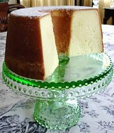 Elvis Presley's Favorite Pound Cake This is the best pound cake we have ever tasted. It's tender appeal is owed in part to cake flour and cream, and in part to beating the batter an extra 5 minutes.