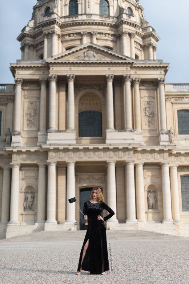 Comme promis nous restons dans les quartiers chics parisiens, nous voila place Vauban devant devant les musée des armées et le tombeau de Napoléon : les Invalides . Et après Mathilde, la petite nou…