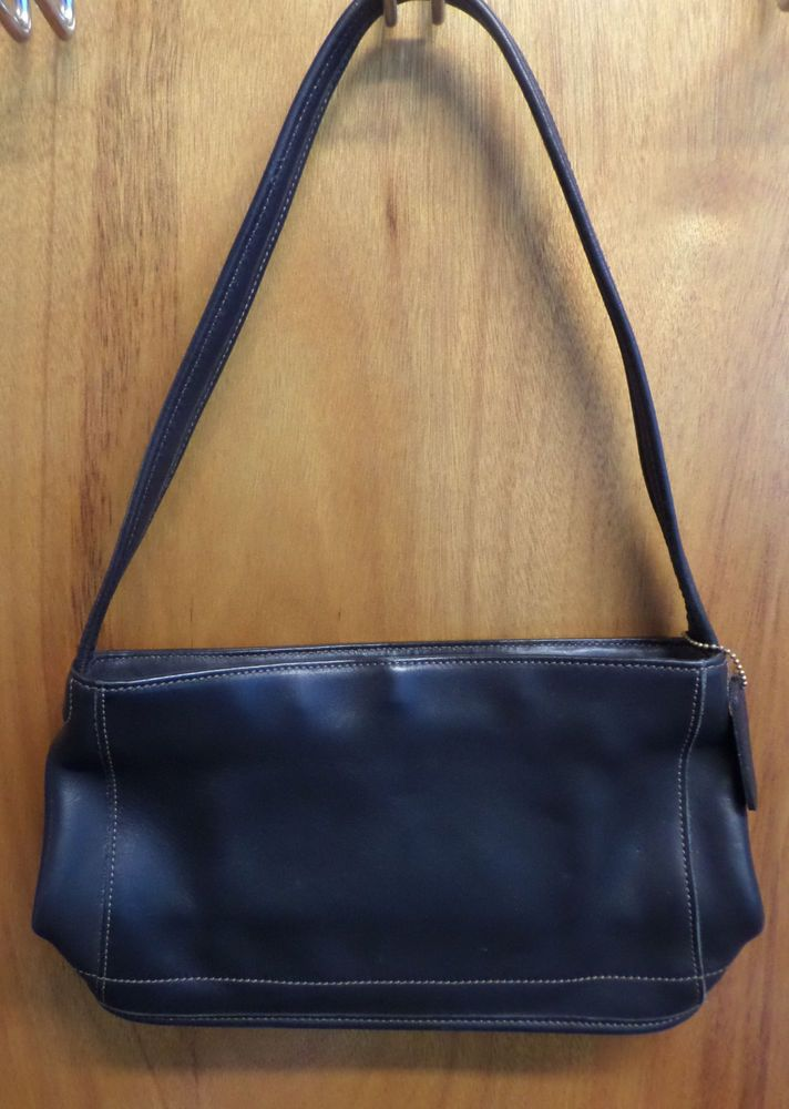 Vintage Coach Leather Handbag Purse Women Shoulder 9309 Slim Bag Medium Slim #Coach #ShoulderBag