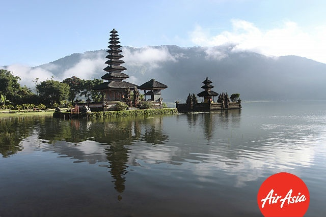 Check out the breathtaking Ulun Danu Temple by the crystal clear waters :)