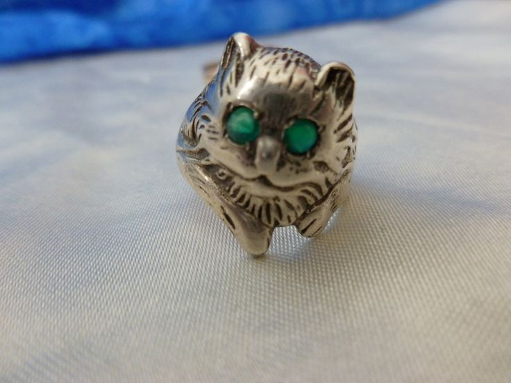 Unusual Cat Ring - Green Eyed Cat Ring - Vintage Silver Cat Ring - Persian Cat Ring - Long Haired Cat Silver Ring - Green Stone Cat Ring by Teddyrose54 on Etsy