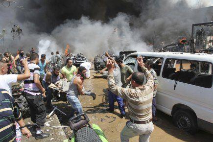Il survient une semaine après un attentat qui a fait le 15 août 27 morts dans la banlieue sud de Beyrouth, un fief du Hezbollah chiite, et risque d'exacerber les tensions confessionnelles au Liban, déjà fortes en raison du conflit en Syrie qui divise profondément le pays, placé sous tutelle du voisin syrien durant une trentaine d'années, jusqu'en 2005.