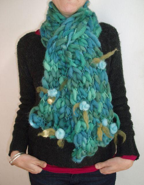 La trama de los sue os cuellos tejidos a mano como los - Como hacer una bufanda de lana gorda ...