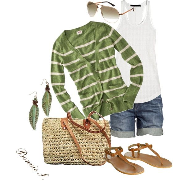 Love this out! Casual and cute!