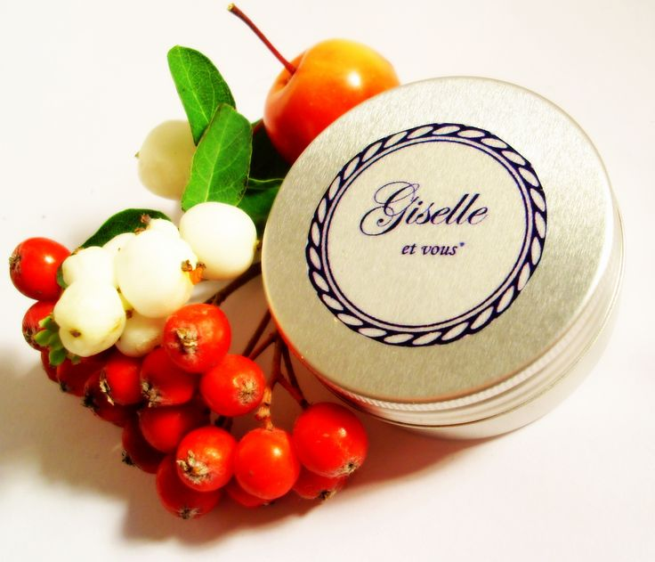Goat Milk Lip balm / Main ingredients: real goat milk, essential oils, beeswax / 100% natural organic product / Giselle et Vous.