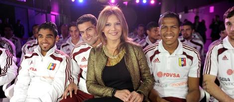 Ivonne Reyes con la Selección de Fútbol de Venezuela en Madrid