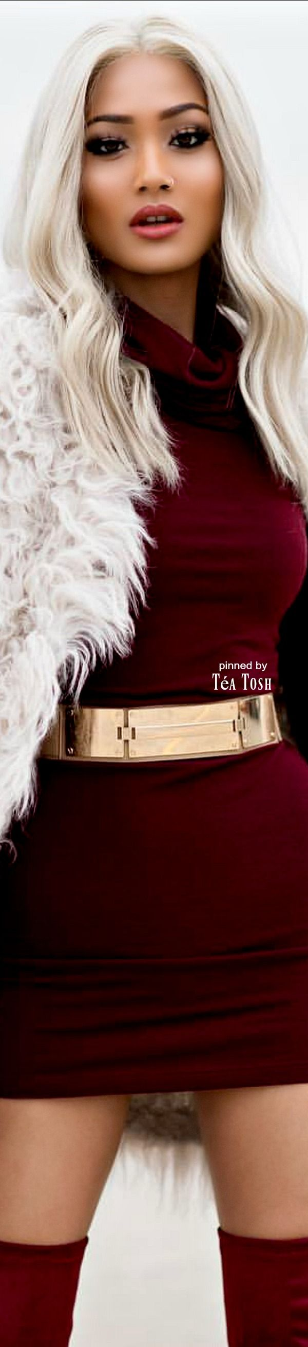 ( 2016 ) ☞ Hot Beautiful Girl ☆ TEA TOSH in a Miniskirt. ) ☆ Téa Tosh - ., .