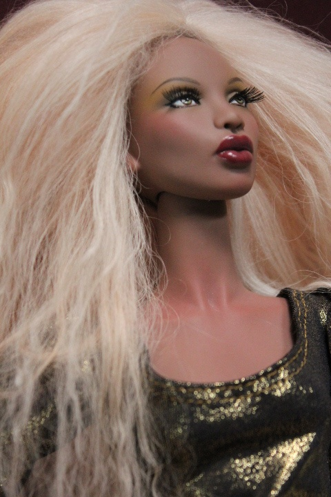 unbelivable that this is a doll and not human.