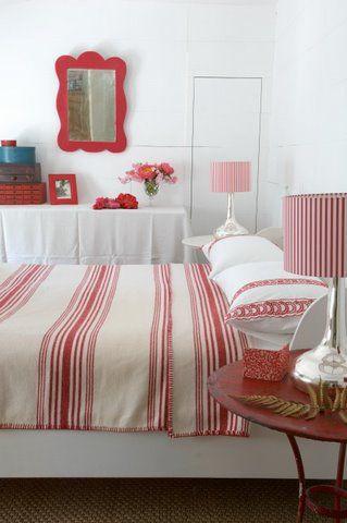 Love red & white!