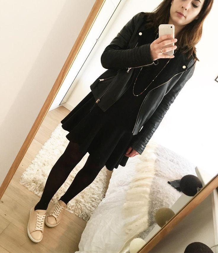 """106 Me gusta, 8 comentarios - Sarah 🌸 (@ptite_perle) en Instagram: """"Black and pink 🎀 #ootd #lookdujour #lookoftheday #instapic #instadaily #perf #janis #sezane #robe…"""""""